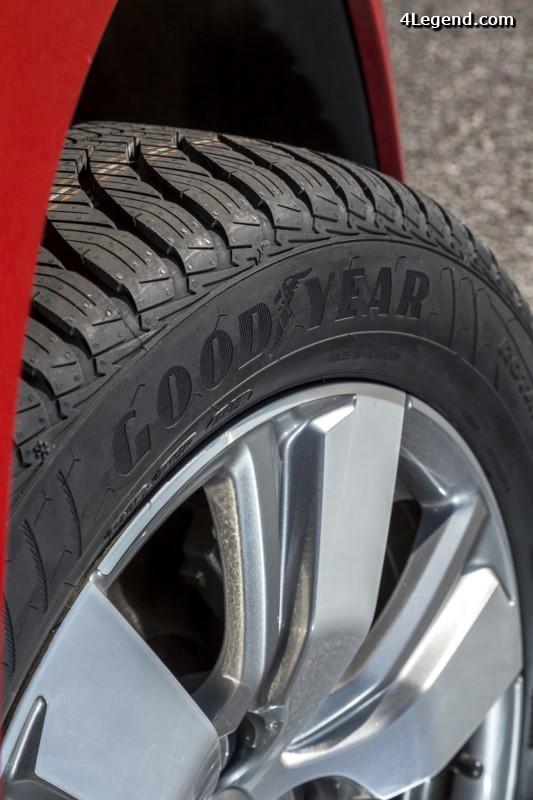 goodyear vector 4seasons gen 2 le nouveau pneu toutes saisons. Black Bedroom Furniture Sets. Home Design Ideas
