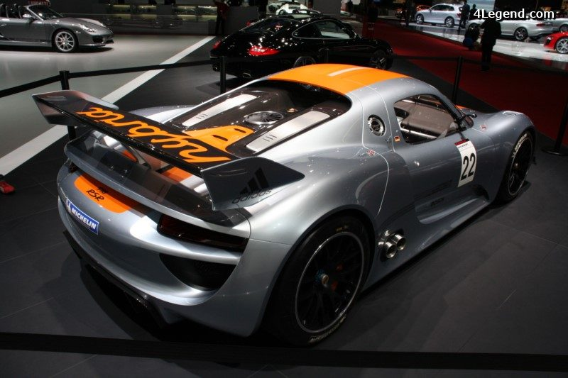 Porsche 918 rsr un laboratoire de course dot d une for Porsche 918 interieur