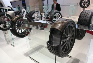 Paris 2014 - Technologie Bridgestone RFT pour les pneus Run-Flat