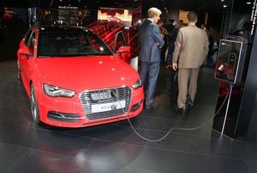Paris 2014 – Remise du Prix eCar pour l'Audi A3 Sportback e-tron