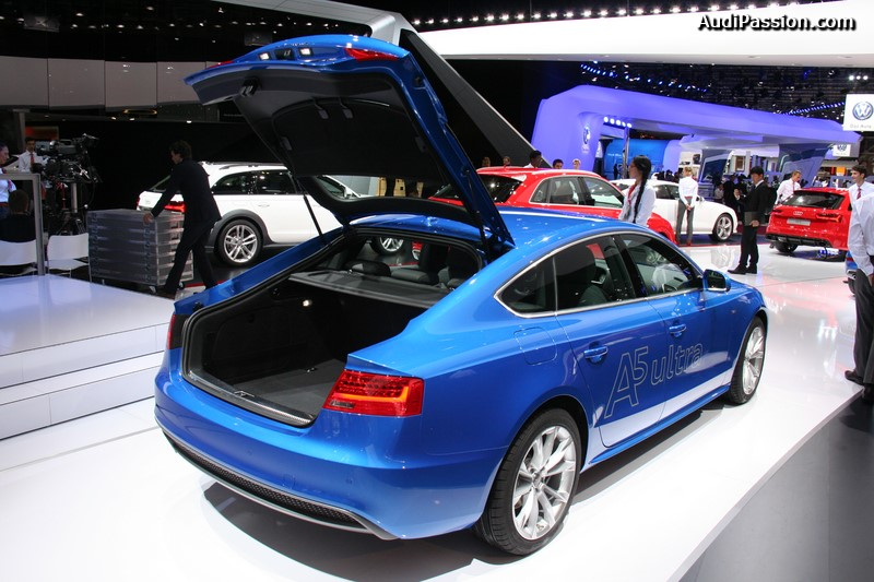 paris 2014 audi a5 sportback. Black Bedroom Furniture Sets. Home Design Ideas