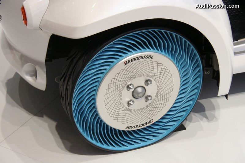 paris-2014-bridgestone-air-free-concept-tire-007