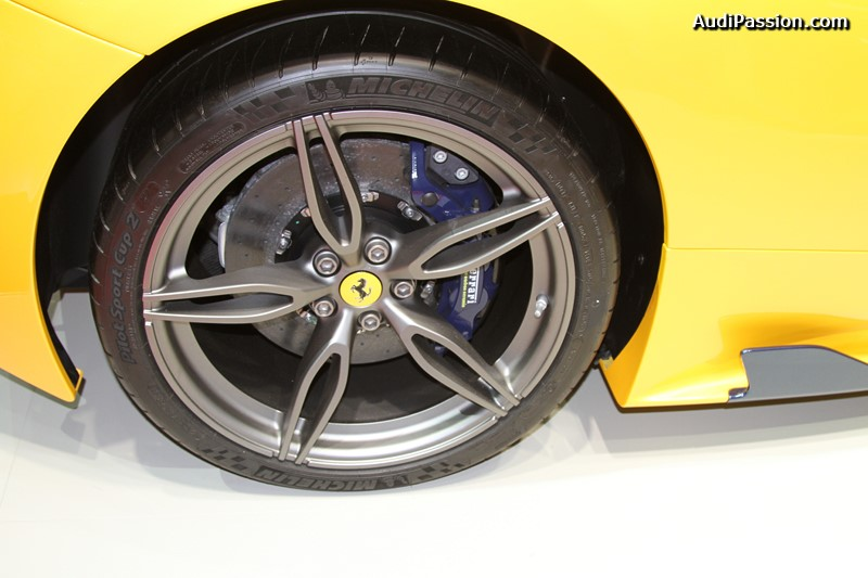paris-2014-michelin-pilot-sport-cup-2-011