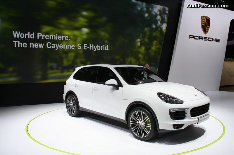 paris 2014 porsche cayenne s e hybrid une performance. Black Bedroom Furniture Sets. Home Design Ideas