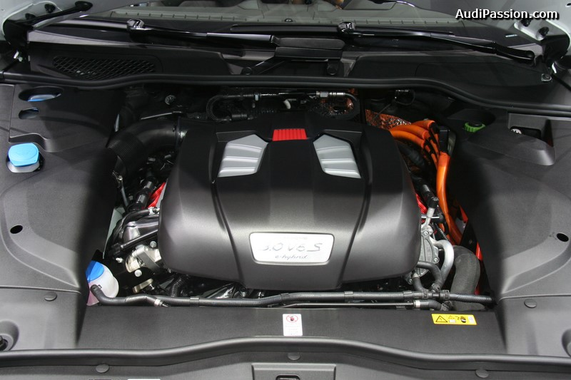 paris-2014-porsche-cayenne-s-e-hybrid-002