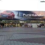Publicité géante Audi TTS Coupé à l'aéroport de Munich