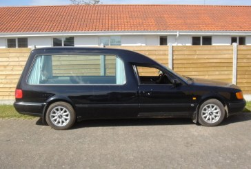 Insolite – Audi 100 C4 corbillard 2.8 V6 de 1993