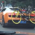 Insolite – Un porte-vélos sur une Lamborghini Gallardo