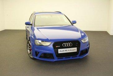 Livraison Audi RS 4 Nogaro Selection chez Audi Premium Vélizy