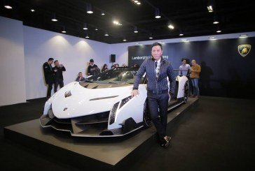 Livraison d'une Lamborghini Veneno Roadster à Hong-Kong