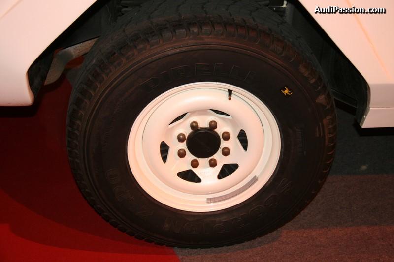 retromobile-2015-lamborghini-lm002-011