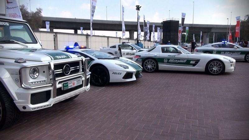 voitures-police-dubai-002