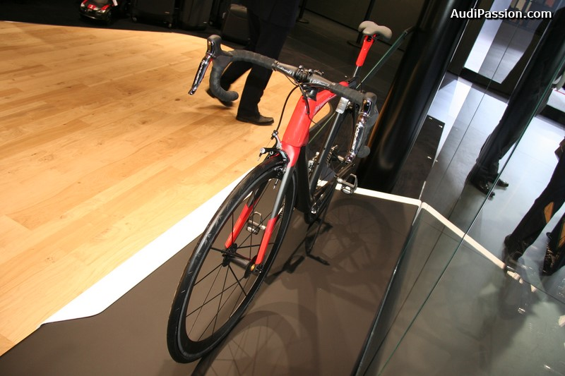 geneve-2015-audi-sport-racing-bike-004