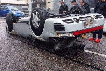 Accident d'une rare Porsche 959 en Suisse