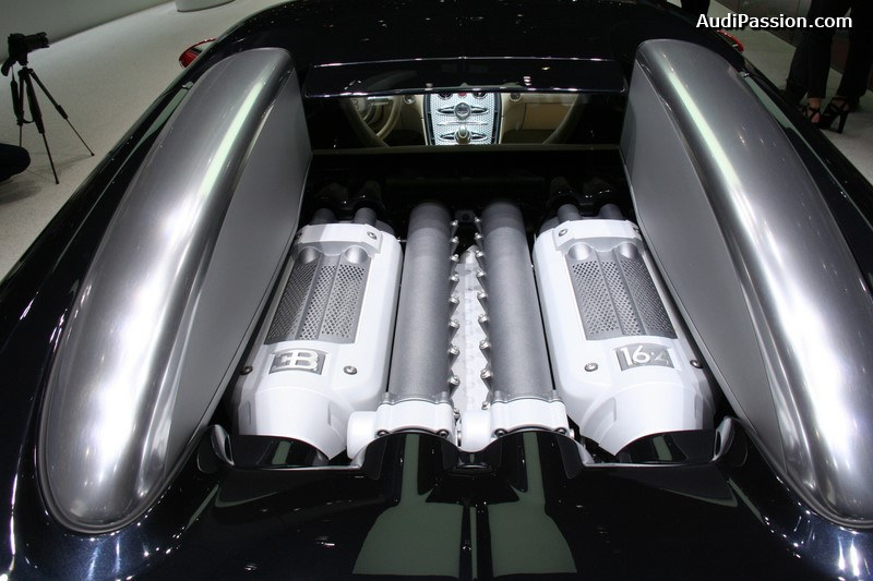 gen ve 2015 bugatti veyron grand sport vitesse la finale vs bugatti veyron 16 4 n 001. Black Bedroom Furniture Sets. Home Design Ideas