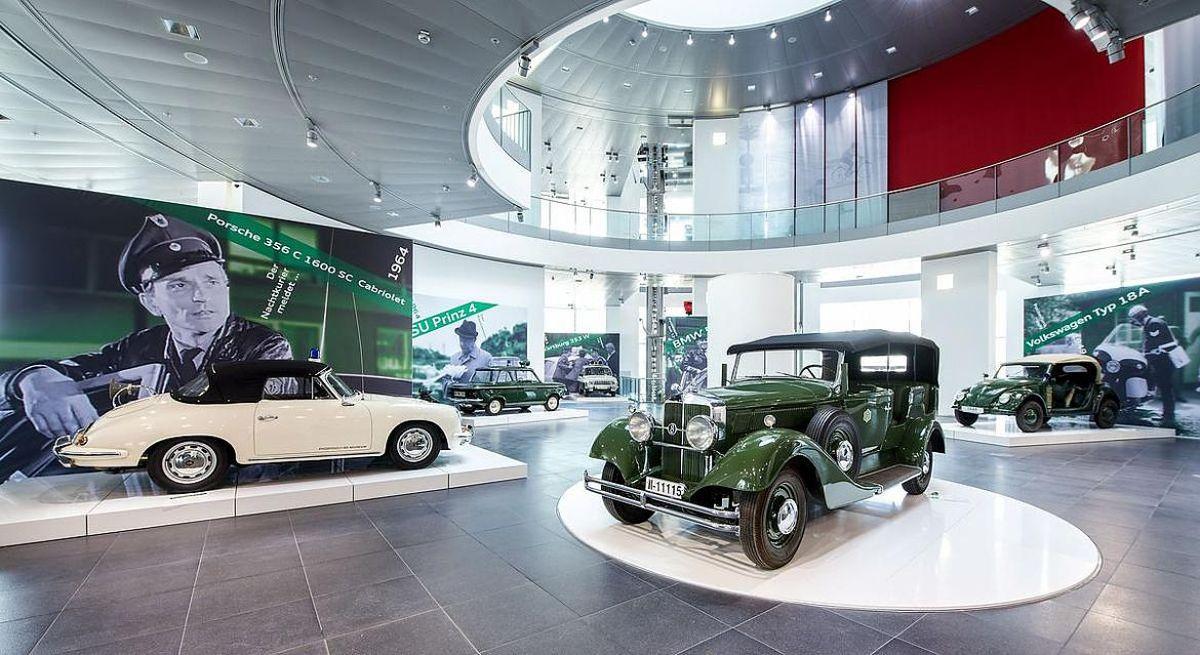 Razzia - Exposition de voitures de Police & de voitures NSU à l'Audi museum mobile