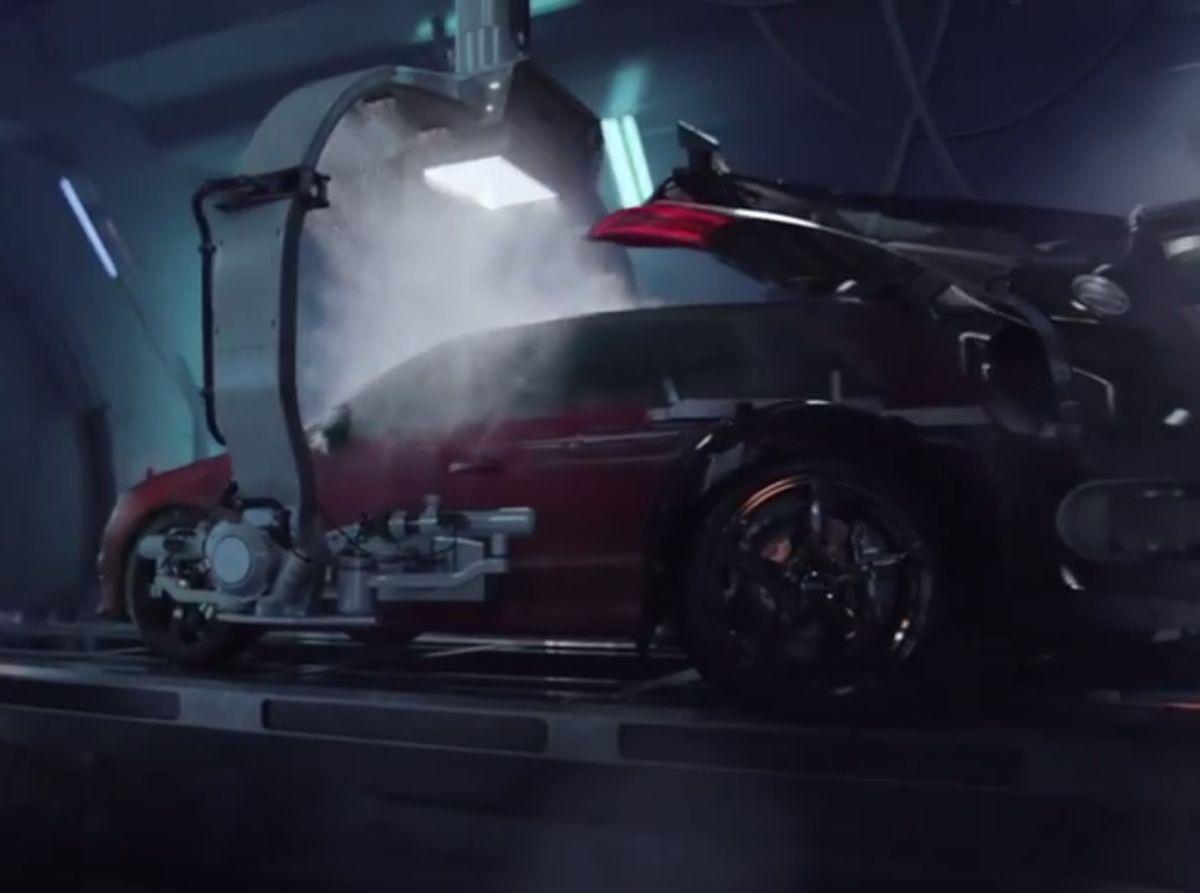 Vidéo - Une Audi R8 V10 donne naissance à une Audi RS 3 Sportback