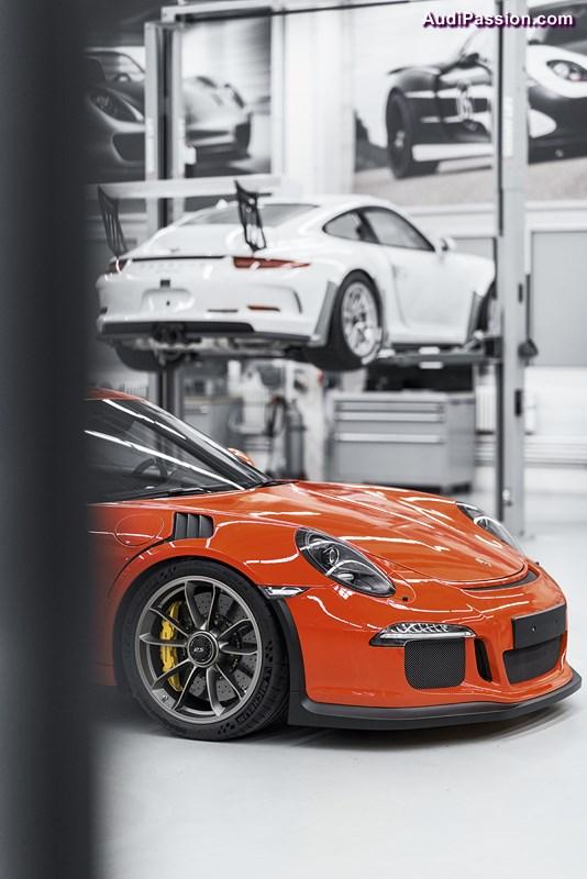 porsche choisit les pneus michelin pilot sport cup 2 pour le lancement de la 911 gt3 rs. Black Bedroom Furniture Sets. Home Design Ideas