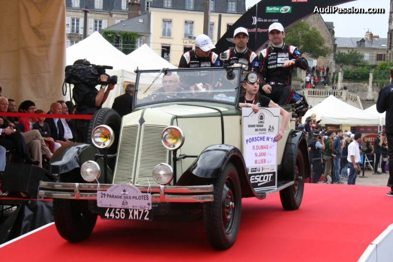 parade-pilotes-24h-mans-2015-008