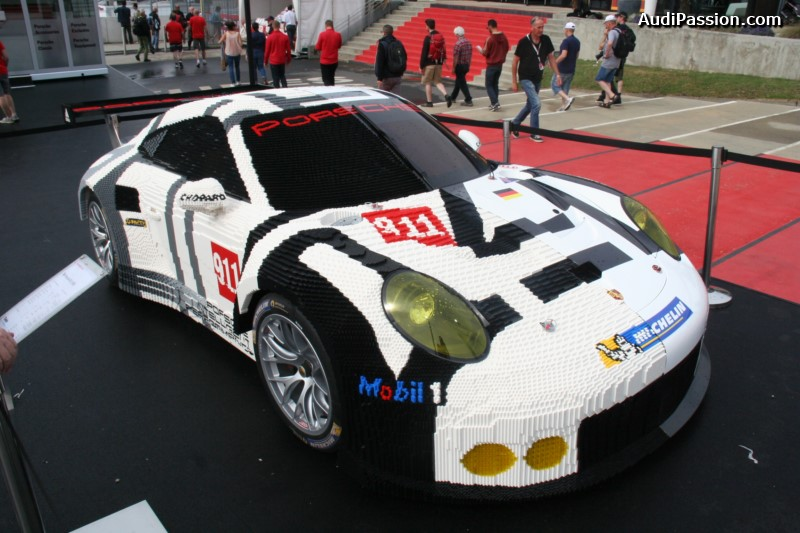 une porsche 911 rsr 50 en lego aux 24 heures du mans. Black Bedroom Furniture Sets. Home Design Ideas
