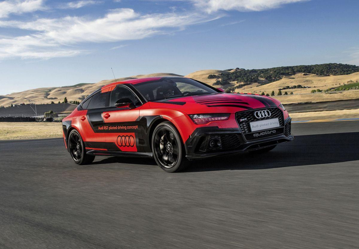 Audi RS 7 Piloted Driving concept - Plus rapide qu'un pilote de course sur un circuit aux Etats-Unis