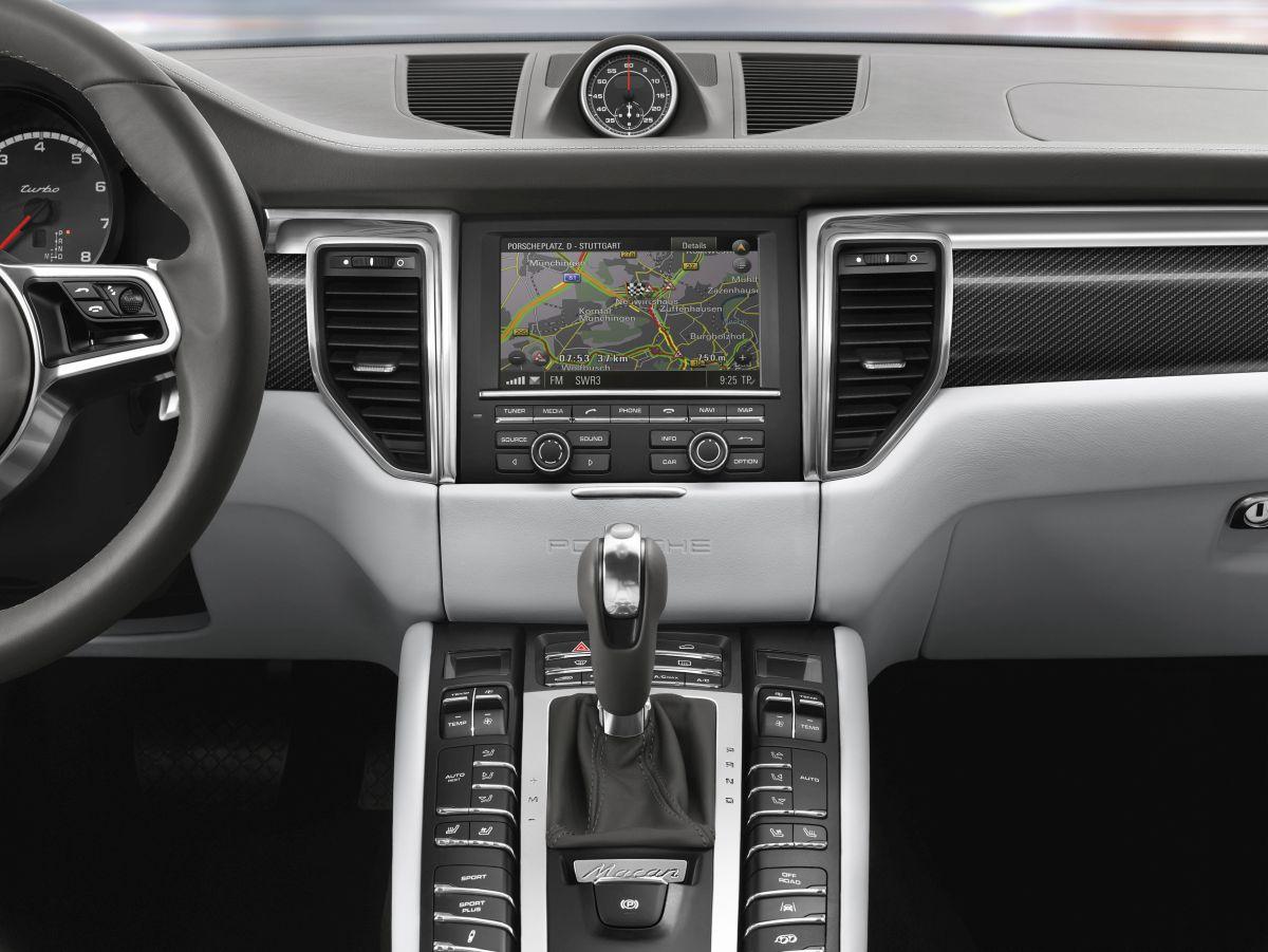 Porsche Communication Management désormais avec l'information trafic en temps réel