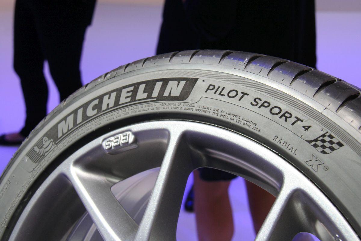Live IAA 2015 - Nouveau pneu Michelin Pilot Sport 4