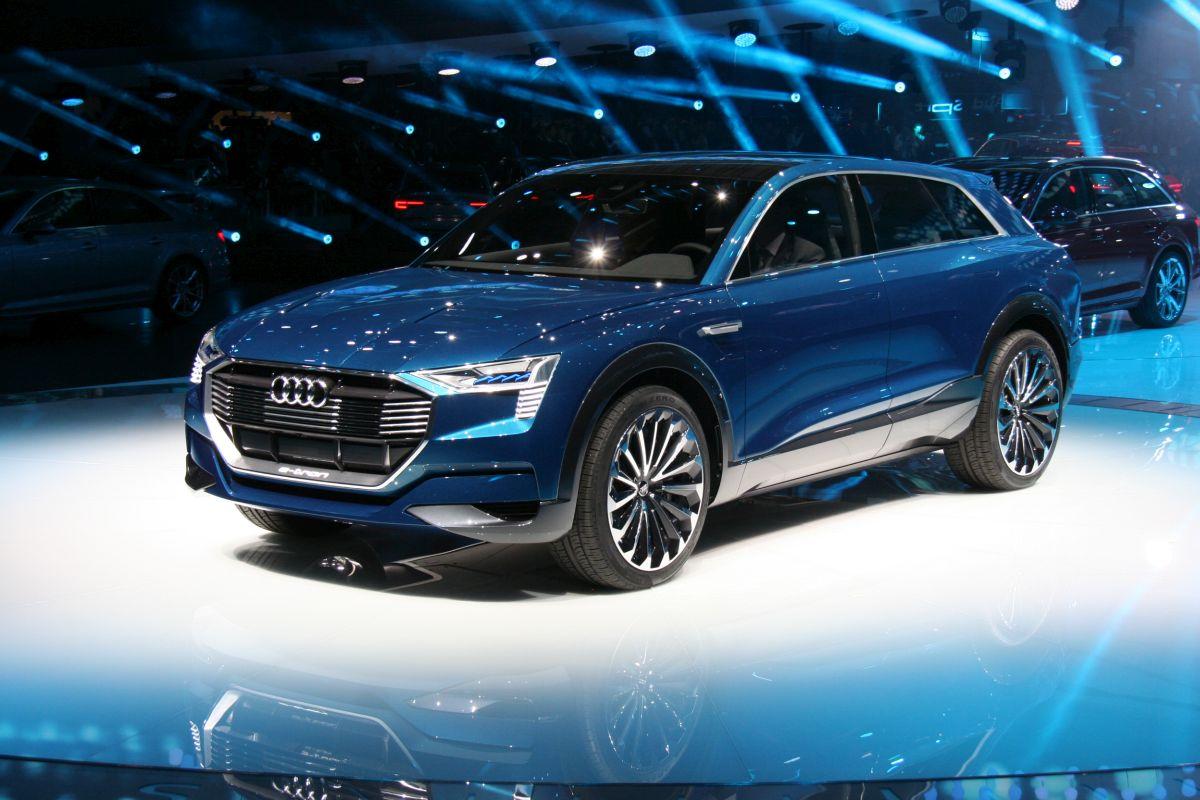 Live IAA 2015 - Audi e-tron quattro concept en détail