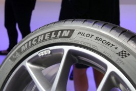 Live IAA 2015 – Nouveau pneu Michelin Pilot Sport 4