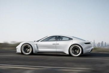 IAA 2015 – Porsche Mission E : 600 ch, 500 km d'autonomie, recharge en 15 min