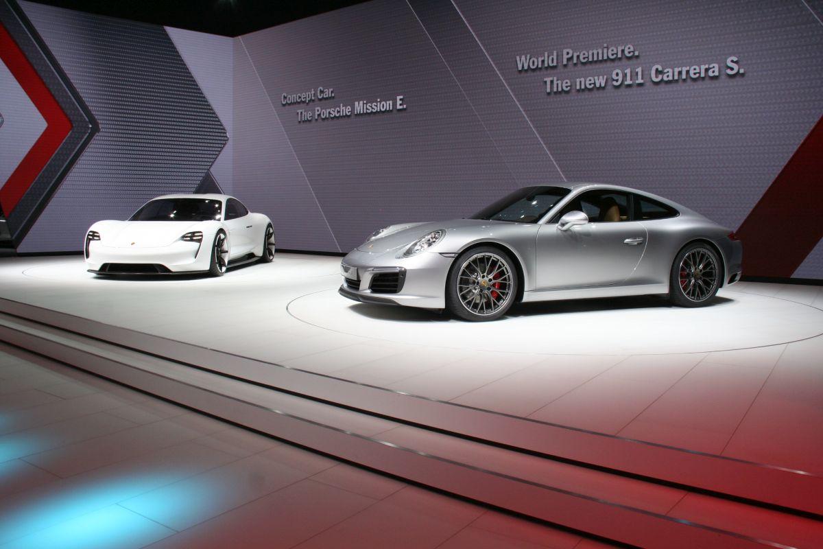 Live IAA 2015 - Visite en vidéo du stand Porsche (911 Carrera, Mission E)