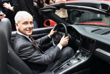 Matthias Müller nommé CEO du Groupe Volkswagen, restant le président de Porsche AG
