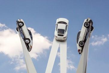 Inspiration 911 – Inauguration de la Sculpture Porsche sur la Porscheplatz de Zuffenhausen