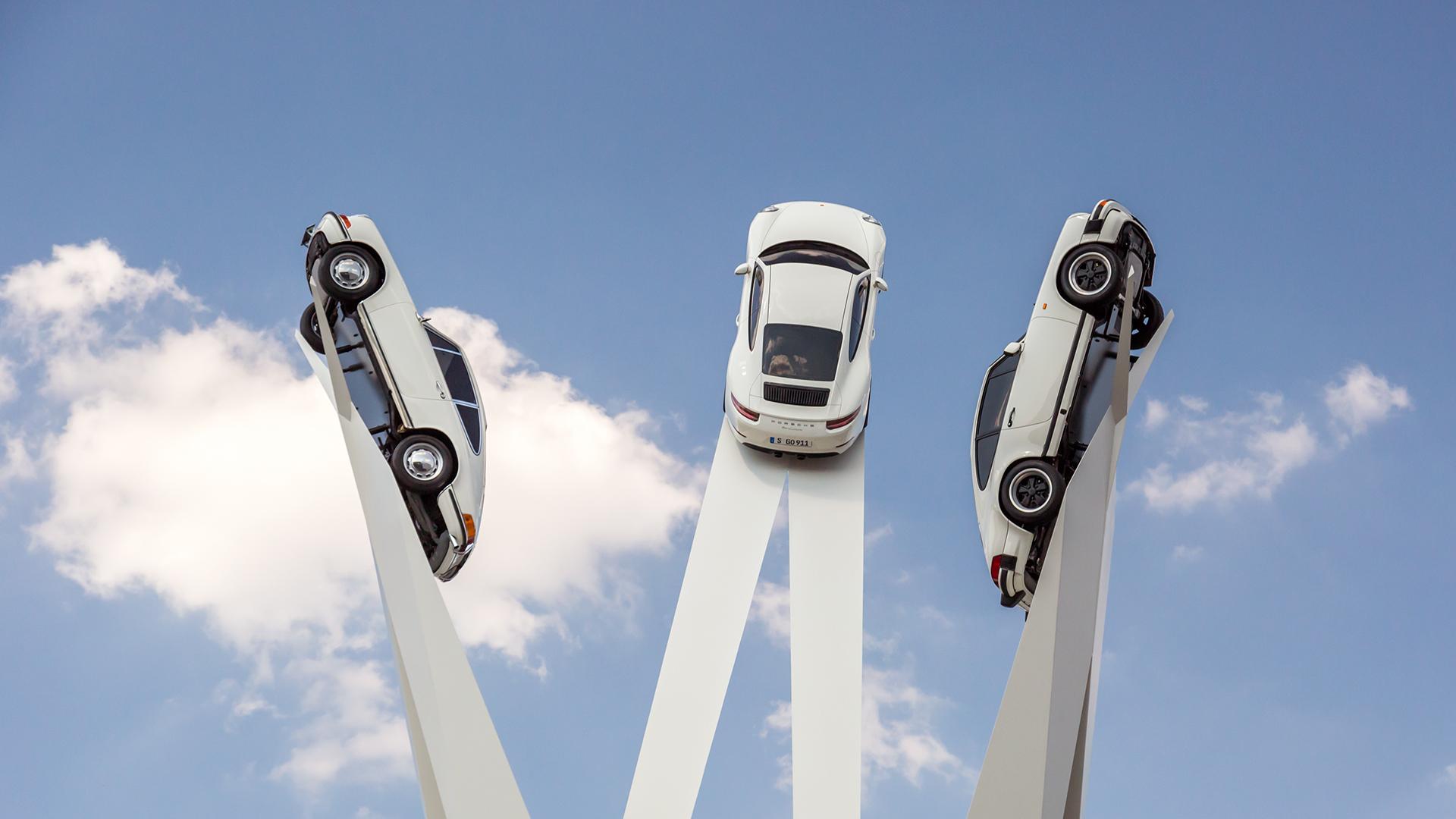 Inspiration 911 - Inauguration de la Sculpture Porsche sur la Porscheplatz de Zuffenhausen
