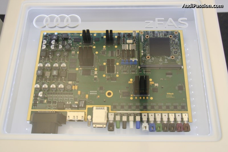 iaa-2015-recharge-audi-a3-etron-piloted-driving-015