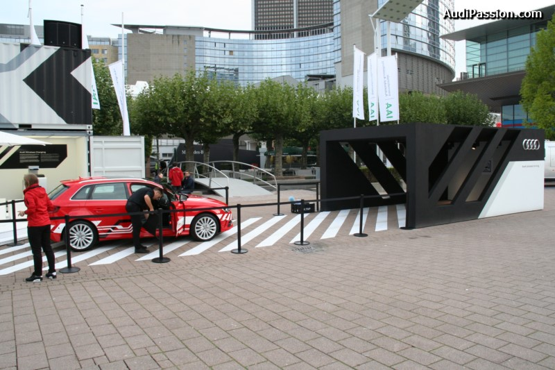 iaa-2015-recharge-audi-a3-etron-piloted-driving-016