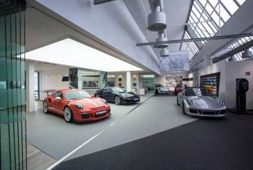 65 ans que les clients récupèrent leur Porsche à l'usine de Zuffenhausen