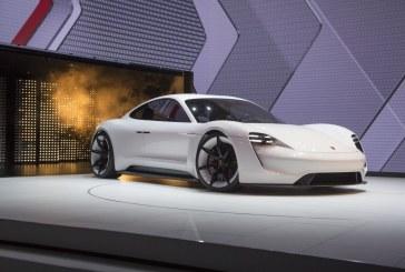 La Porsche Mission E sera exposée au Dôme des Invalides