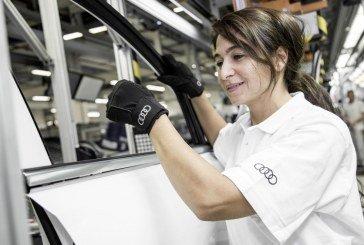 Audi introduit des gants médicaux dans sa production pour une meilleure ergonomie