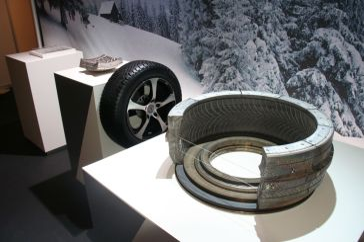 Continental TechnikForum 2015 – Technologies des moules des pneus