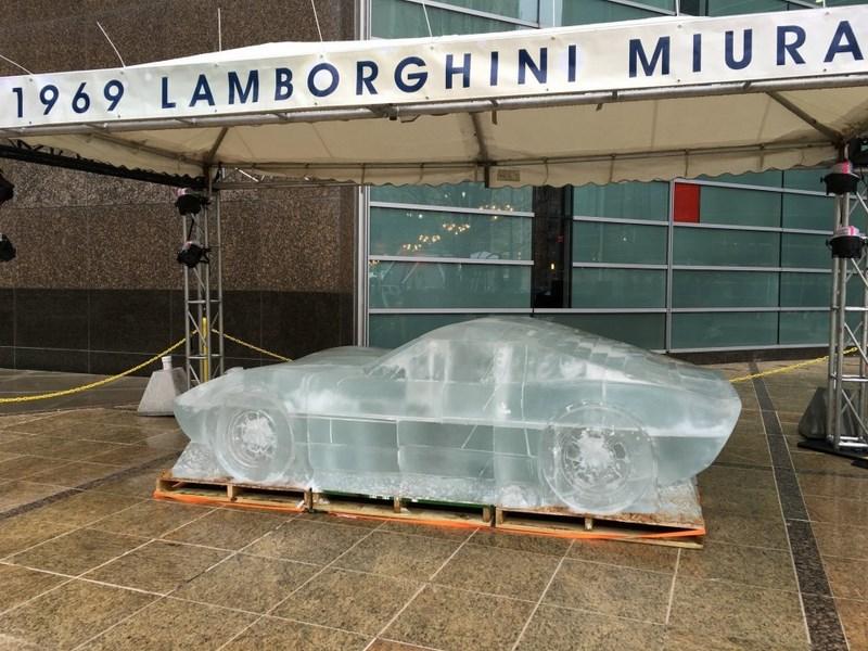 audi-lamborghini-bugatti-en-glace-detroit-003