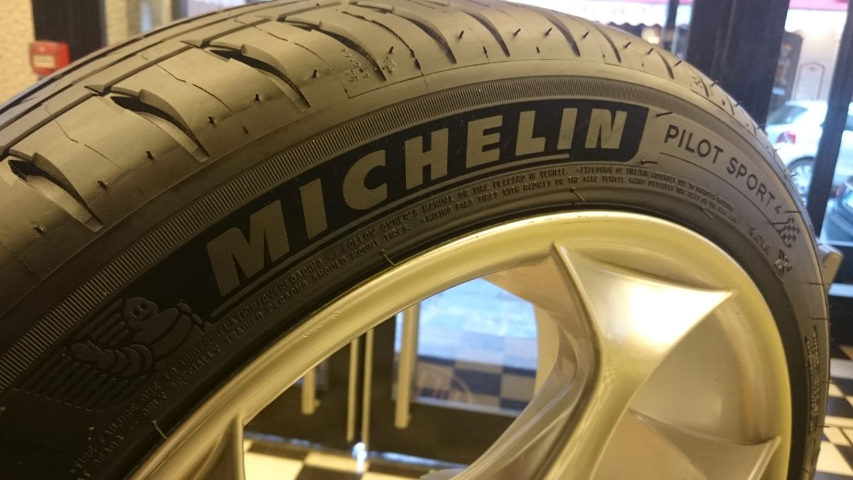 Michelin lance un pop-up store sur Michelin.fr pour le pneu Michelin Pilot Sport 4