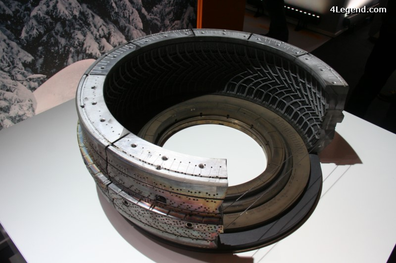 continental-technikforum-2015-technologies-moules-pneus-034