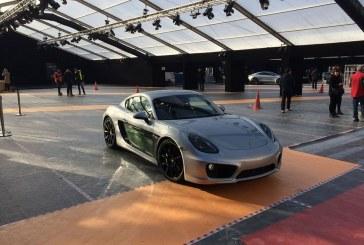 Première mondiale de la Porsche Cayman E-volution au Festival Automobile International 2016