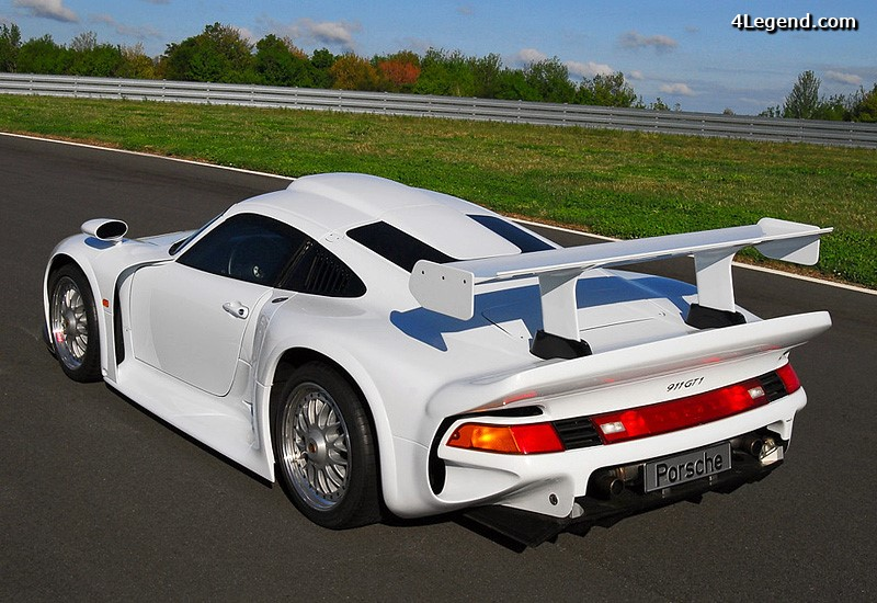 porsche 911 gt1 strassenversion 24 exemplaires produits. Black Bedroom Furniture Sets. Home Design Ideas