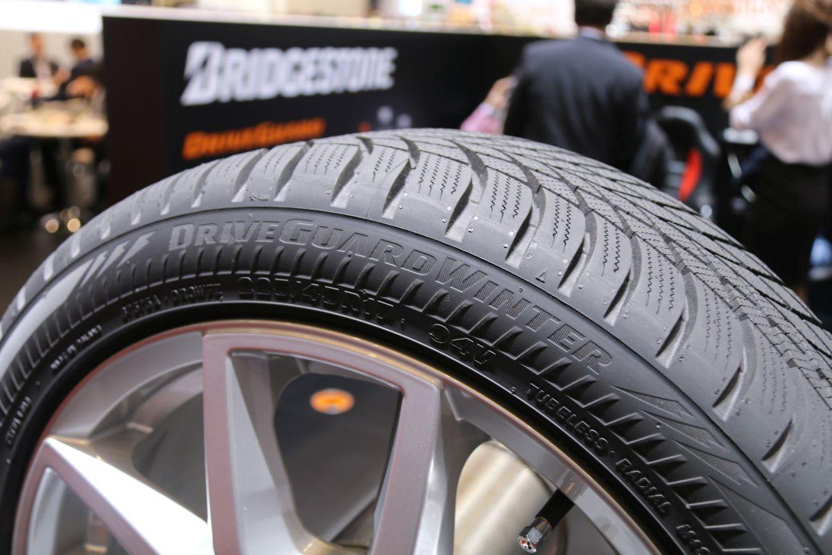 Genève 2016 - Bridgestone lance le pneu DriveGuard Winter
