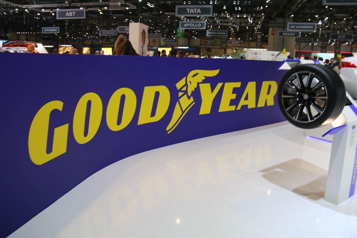 Genève 2016 - Nouveau pneu Goodyear Eagle F1 Asymmetric 3