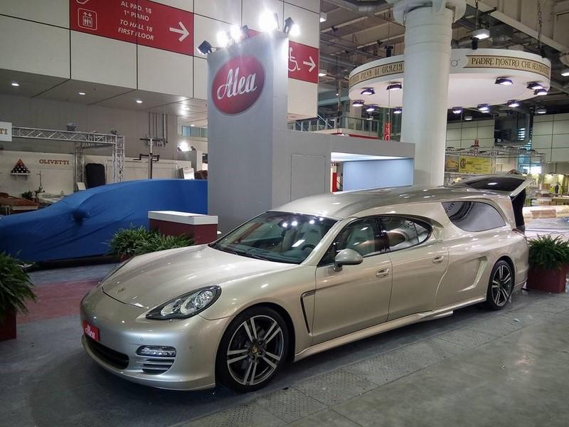 Insolite Une Porsche Panamera Corbillard 4legend Com