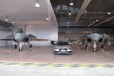 Les fleurons Audi contre le fleuron de l'Armée de l'Air – Des Audi de 600 ch sur la Piste d'envol