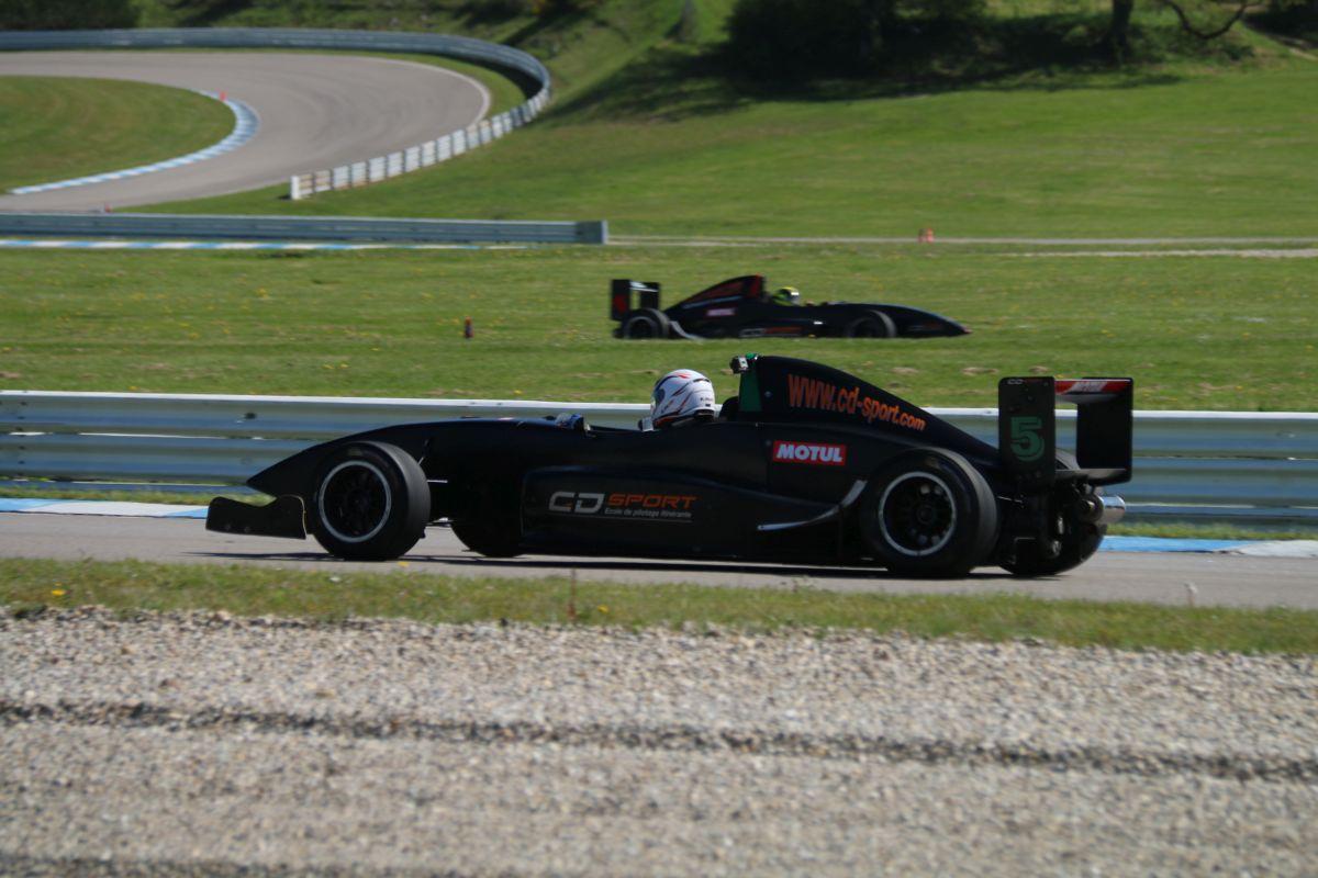 Stage de pilotage sur Formule Renault 2.0 via CD Sport sur le circuit du Laquais